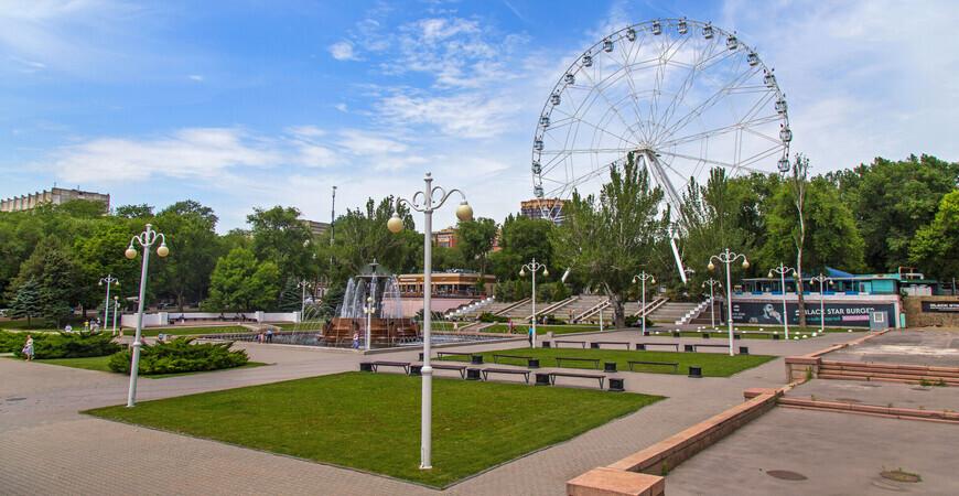 Театральная площадь<br/> в Ростове-на-Дону