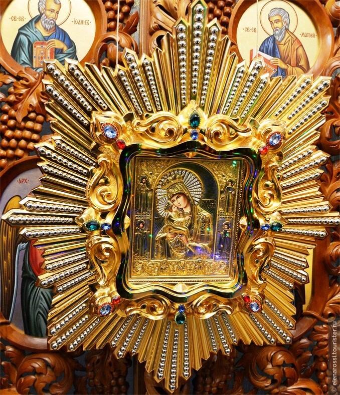 Паломничество к иконе Почаевская