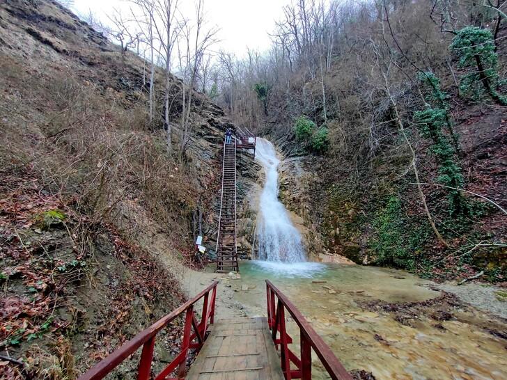 Один из Гебиусских водопадов