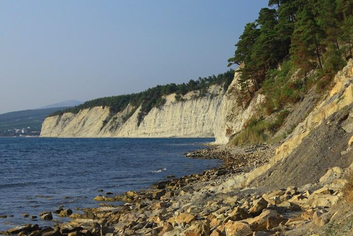 Морские берега за пределами Геленджикской бухты