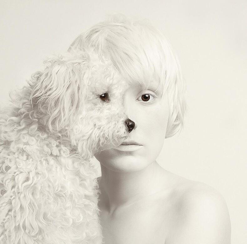 Королева фотошопа: 15 автопортретов фотографа Флоры Борси с глазами диких животных