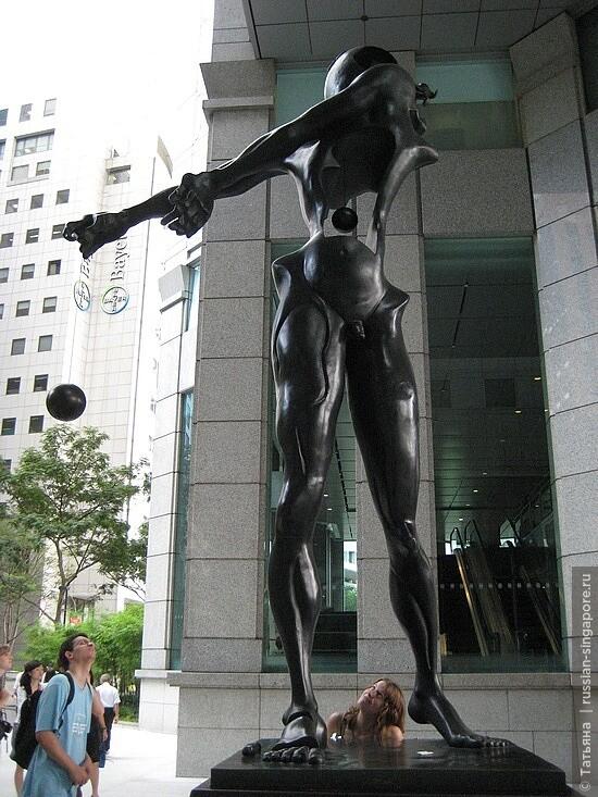 7_1279214085_salvador-dal-sculpture.jpg