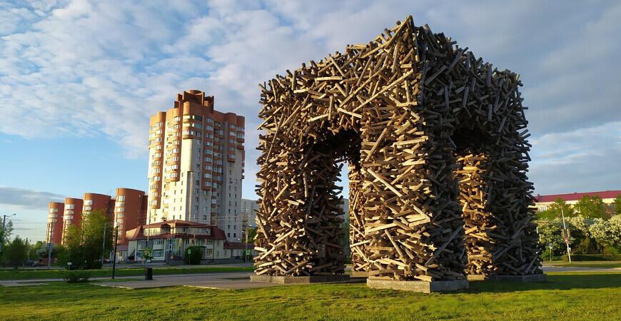 Памятник букве «П» в Перми
