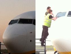 Пилоты пытались заклеить иллюминатор скотчем