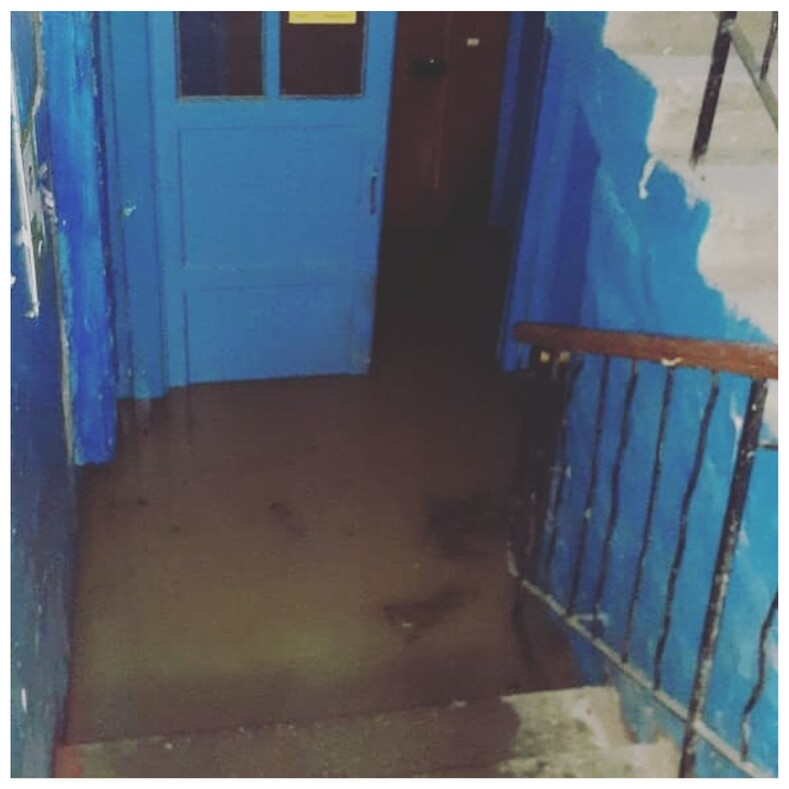 Керчь в Крыму ушла под воду из-за мощного ночного ливня фото ужасающего потопа от очевидцев событий