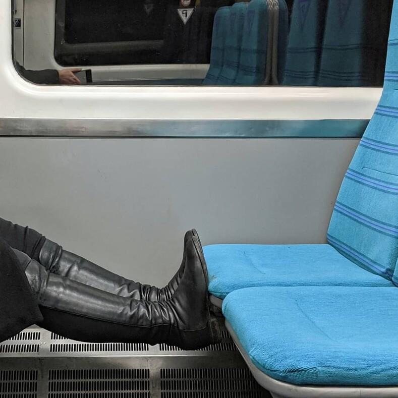 Оскар захудшего пассажира: 14 фото с попутчиками, которые своим отвратительным поведением разозлят любого