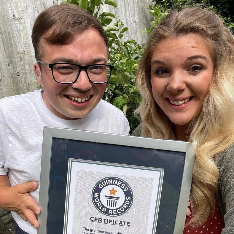 Супруги с самой большой разницей в росте побили мировой рекорд: фото и история необычной, но очень счастливой пары