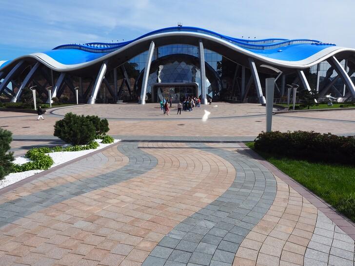 Океанариум, здание выполнено в виде ракушки