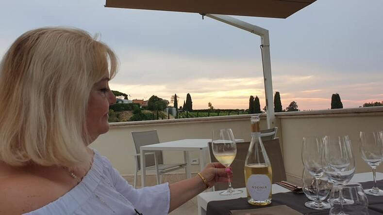 Ресторан на  винодельне под Римом