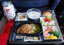 Обед в самолете стал причиной смерти пассажира?