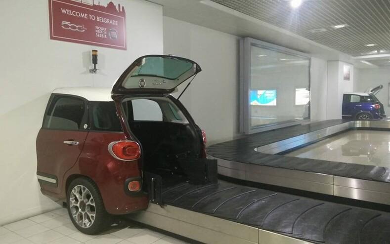 Туристы показали, что их рассмешило и удивило в аэропортах разных стран 12 фотоисторий о том, как ожидание рейса может стать незабываемым