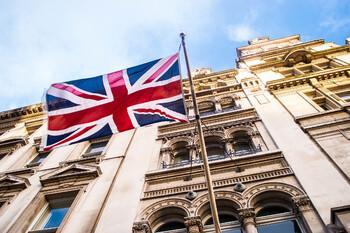 Великобритания ужесточит правила въезда для жителей некоторых стран и регионов