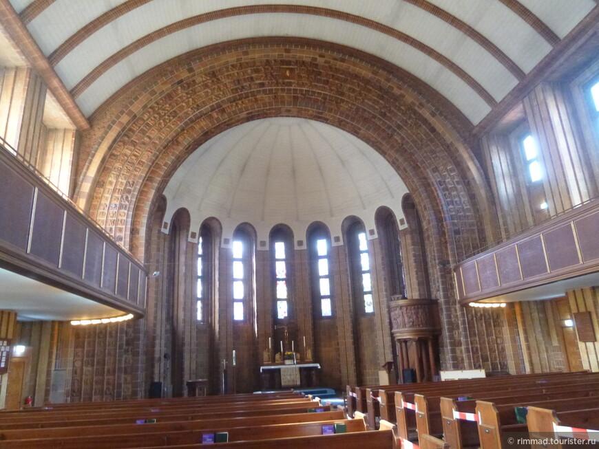 Мемориальная церковь Мартина Лютера в Берлине.