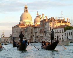 Ученые нашли способ «поднять» Венецию