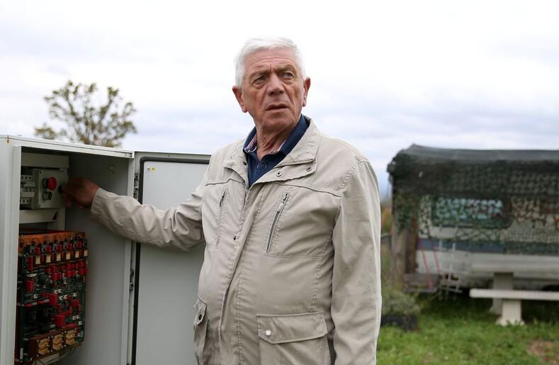 Устал от ссор с женой: 72-летний житель Боснии и Герцеговины построил вращающийся дом