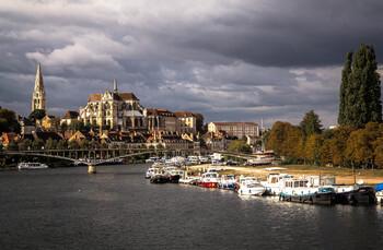 Франция планирует  продлить действие «санитарных пропусков» до августа 2022 года