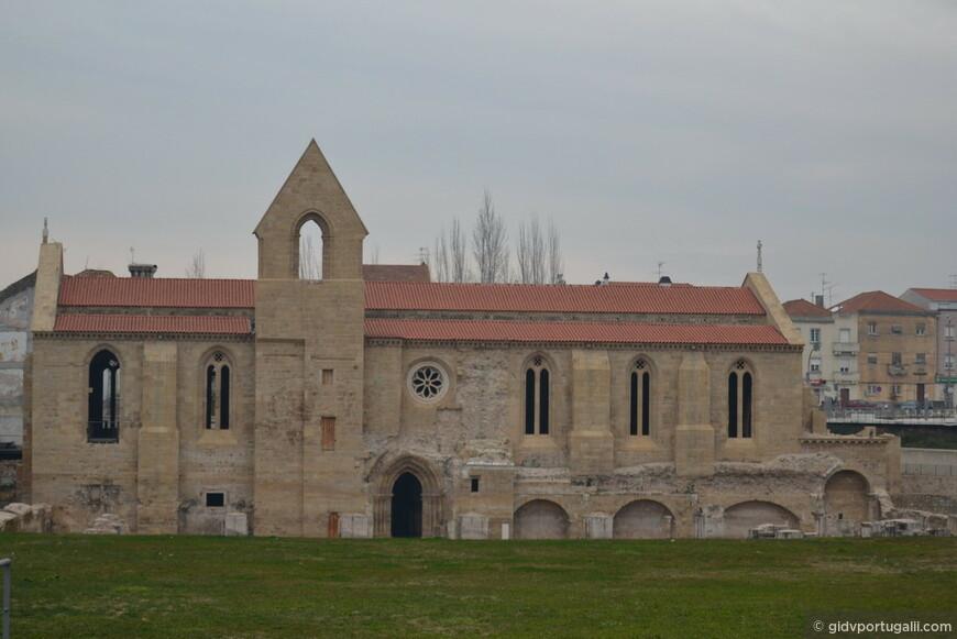 старый монастырь кларисс, вызволенный из затопления