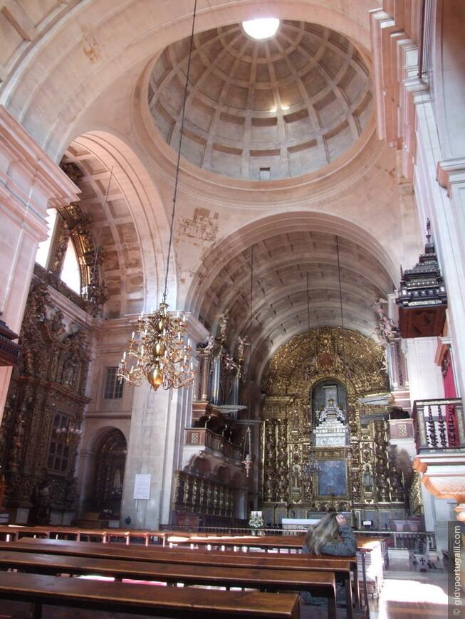 В Новом Кафедральном Соборе