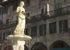 Piazza_Erbe_Verona.jpg