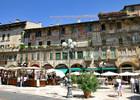 Verona-piazza_delle_erbe02.jpg