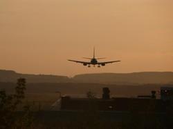 Пассажирский самолет совершил экстренную посадку в Екатеринбурге