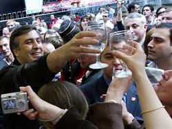 Саакашвили хочет бесплатно поить туристов вином