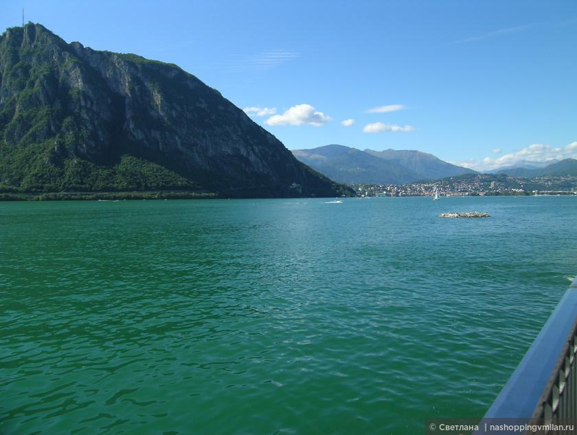озеро Лугано.Кампионе ди Италия.Небольшой ,необычайно красивый городок раскинулся на берегу швейцарского озера Лугано.  Итальянский городок, на территории Швейцарии со статусом свободной экономической зоны. Знаменит своим огромным казино, куда приезжают многочисленные любители в ожидании удачи.