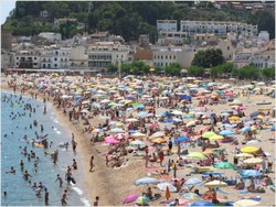 Испанские пляжи могут стать некурящими