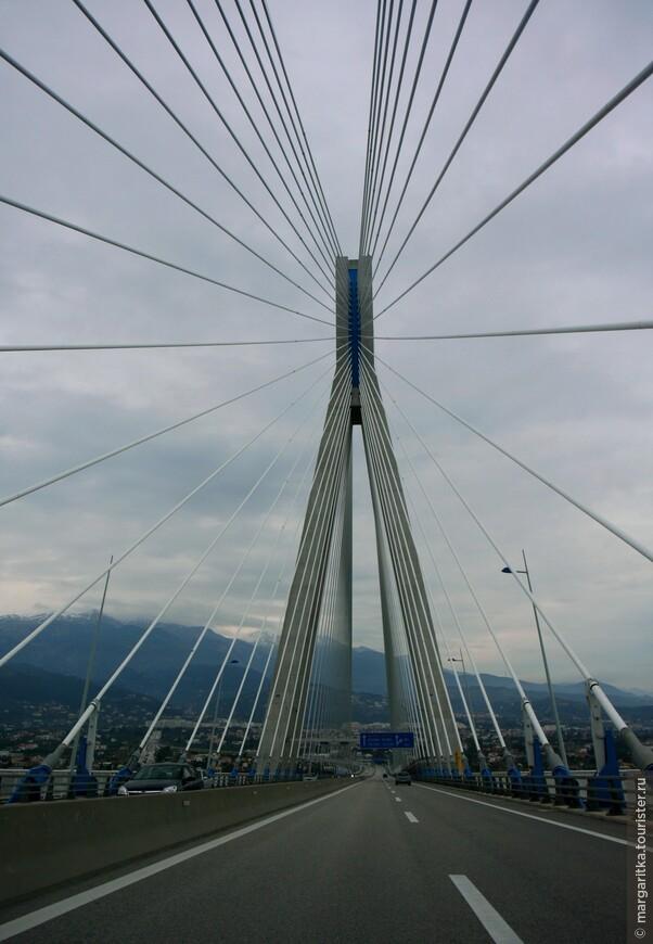 Мост через Корнифский пролив на севере Пелопонеса длинной 6км (1).JPG