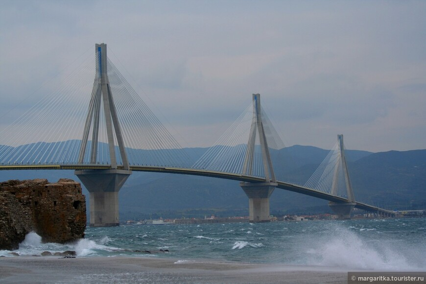 Мост через Корнифский пролив на севере Пелопонеса длинной 6км (10).JPG