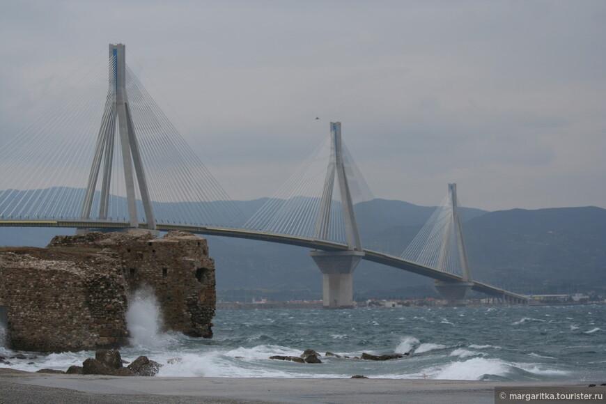 Мост через Корнифский пролив на севере Пелопонеса длинной 6км (11).JPG