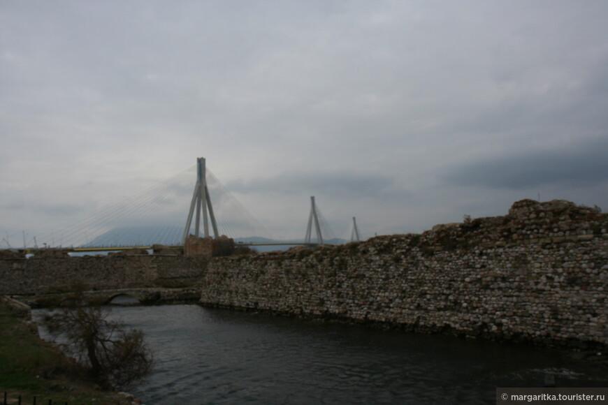 Мост через Корнифский пролив на севере Пелопонеса длинной 6км (20).JPG