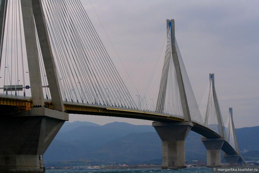 Мост через Корнифский пролив на севере Пелопонеса длинной 6км (25).JPG