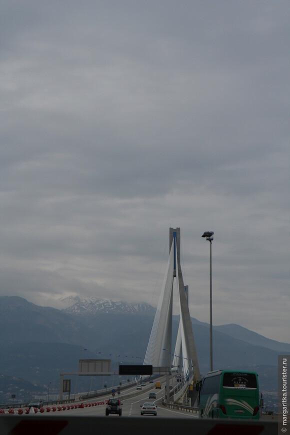 Мост через Корнифский пролив на севере Пелопонеса длинной 6км (29).JPG