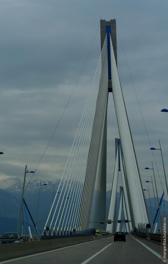 Мост через Корнифский пролив на севере Пелопонеса длинной 6км (34).JPG