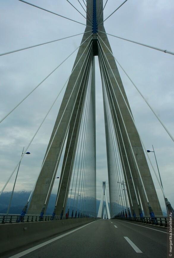Мост через Корнифский пролив на севере Пелопонеса длинной 6км (39).JPG