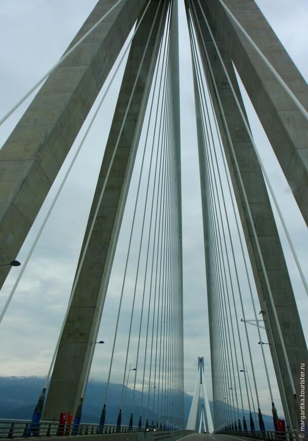 Мост через Корнифский пролив на севере Пелопонеса длинной 6км (40).JPG