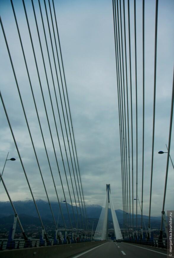 Мост через Корнифский пролив на севере Пелопонеса длинной 6км (41).JPG