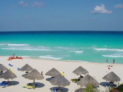 Туриндустрия Мексики снижает цены для привлечения иностранных туристов