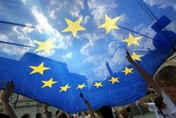 Российским туристам хотят выдавать электронные визы в Европу