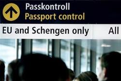 У въезжающих в Евросоюз туристов будут брать отпечатки пальцев