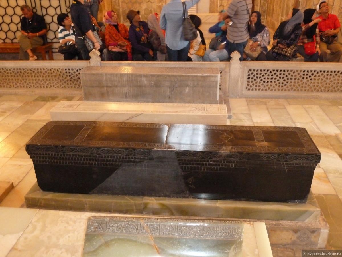 Надгробная плита фото тамерлана осташковское кладбище