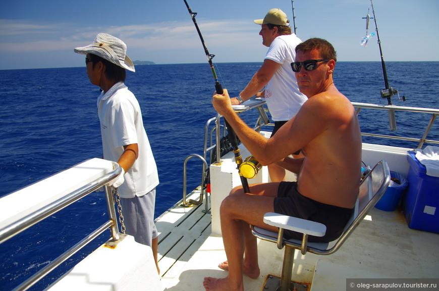 тянем рыбу-меч, тянем потянем по очереди минут 30