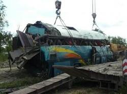 На Кавказе туристический автобус упал в овраг, есть жертвы и пострадавшие