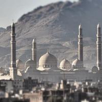 Одна из самых больших мечетей в мире. И по моему мнению – самая красивая, как снаружи, так и внутри.