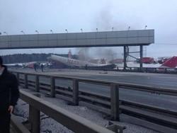 Во Внуково разбился пассажирский самолет
