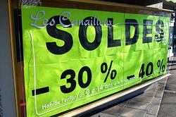 В торговых центрах Франции начинаются зимние распродажи