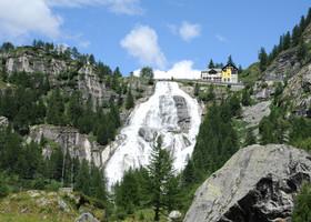 Долина Формацца. Водопад Точе
