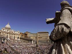 В Ватикане снова можно расплачиваться банковскими картами