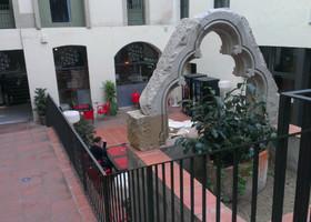 Отель —  сад в Готическом квартале